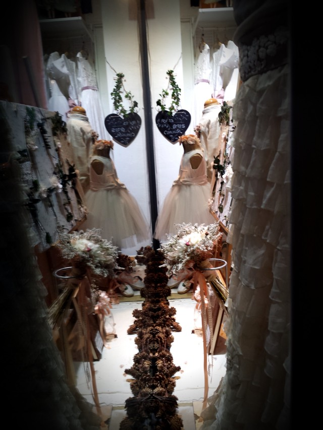 Escaparate de otoño en NOVELLE novias