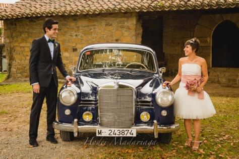 Katalin, Vestido y Ramo NOVELLE. Foto: Hodei Madariaga