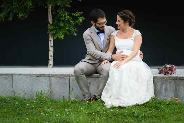 Maialen y Aitor vestido-ramo-prendido NOVELLE-Foto Gaizka Ballesteros1