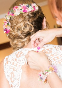 Omaira - Vestido,tocado preservado y pulsera de flores NOVELLE. Foto-Edu de la Parte
