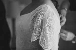 Boda de IVAN y CELIA. Vestido NOVELLEFoto: London Studio